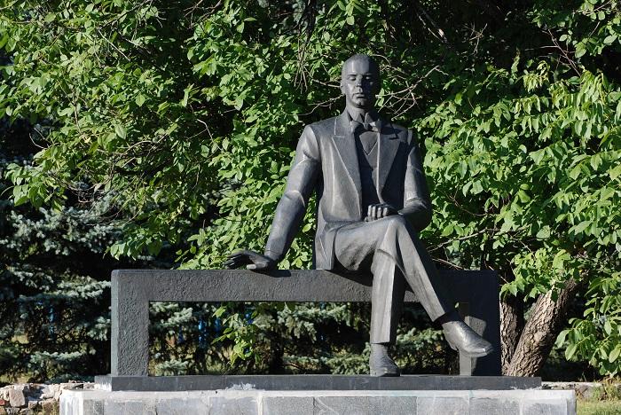 Пам'ятник Прокоф'єву у Сонцівці