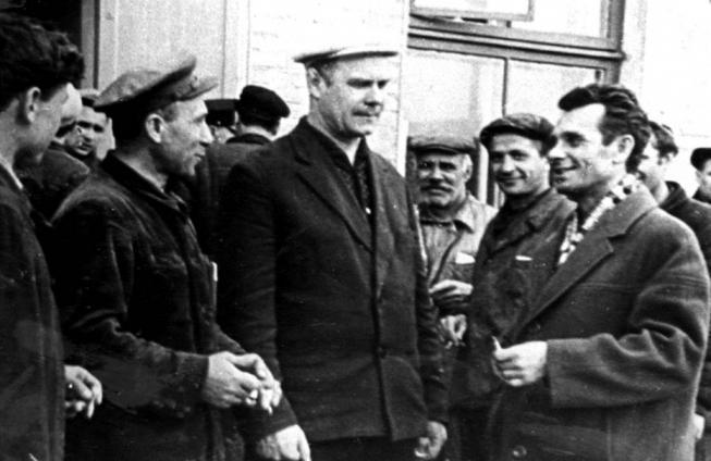 Анатолій Косматенко і робітники