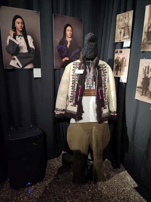 Одяг, люди та мистецтво - 11